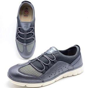 NWOB Earth Spirit Metallic Gray Walking Sneakers